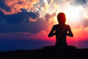 Dirette facebook yoga e meditazione La Via dell'Uno